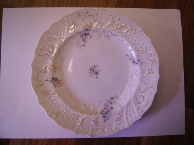 Ostrov (Schlackenwerth) Pfeiffer & Lowenstein plate with blue flowers