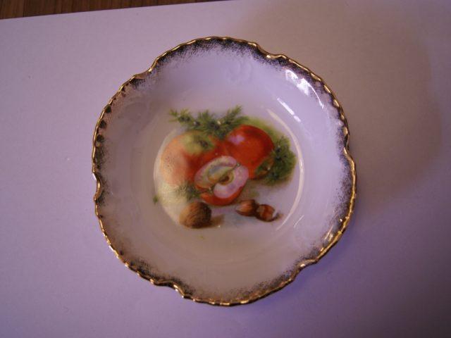 Parowa (Tiefenfurt) bowl with apples, walnuts and hazelnuts