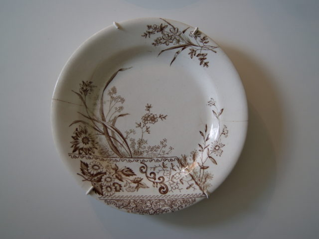 Egersund plate with brown flowers
