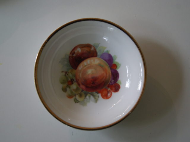 Porsgrund dessert bowl with fruits – plums, peaches, cherries and grapes
