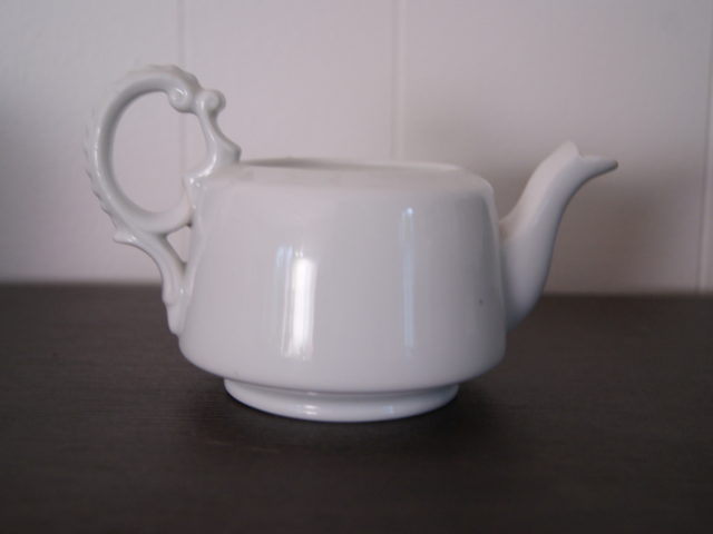 Porsgrund white tea pot