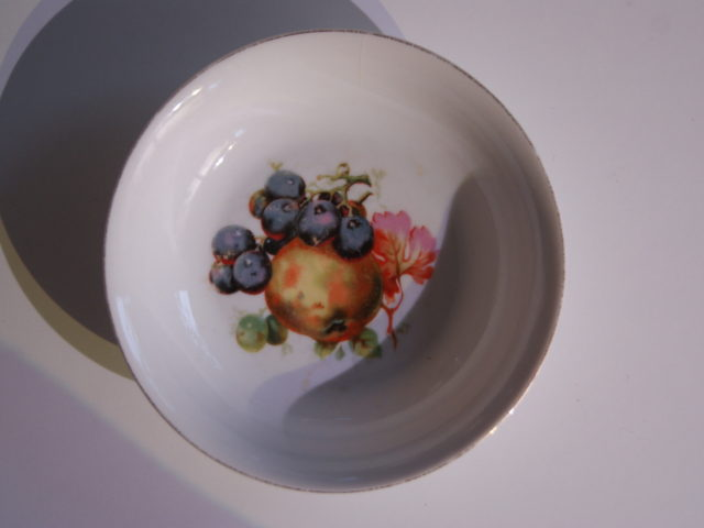 Waldenburg – Altwasser bowl with apples and grapes 1930 14,5 cm