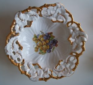 Waldenburg - Altwasser dish with grapes and gold decor