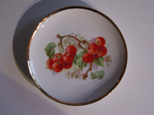 Waldenburg – Altwasser plate with cherries 1929