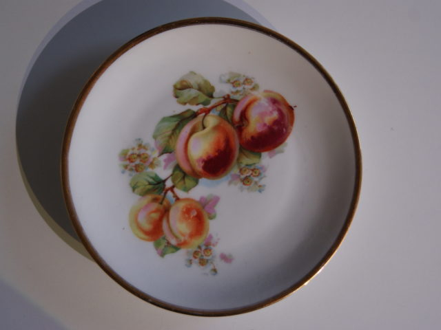 Waldenburg – Altwasser plate with peaches 1927, 1928 and 1930