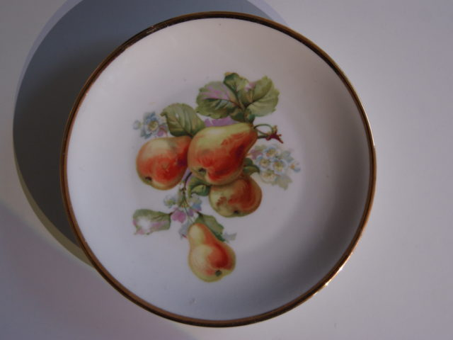 Waldenburg – Altwasser plate with pears 1927 and 1928