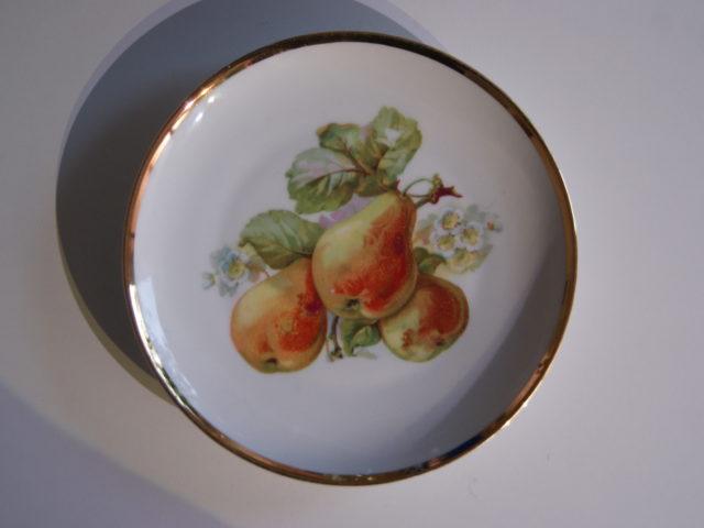 Waldenburg – Altwasser plate with pears 1929