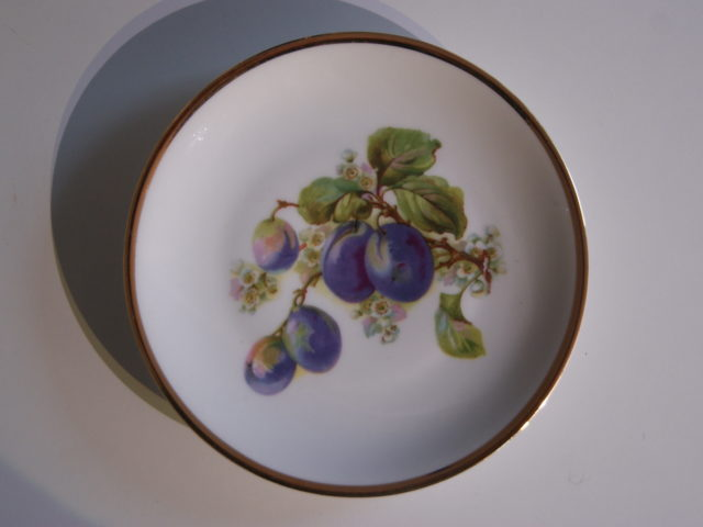Waldenburg – Altwasser plate with plums 1927 and 1928