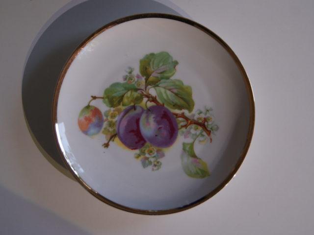 Waldenburg – Altwasser plate with plums 1929