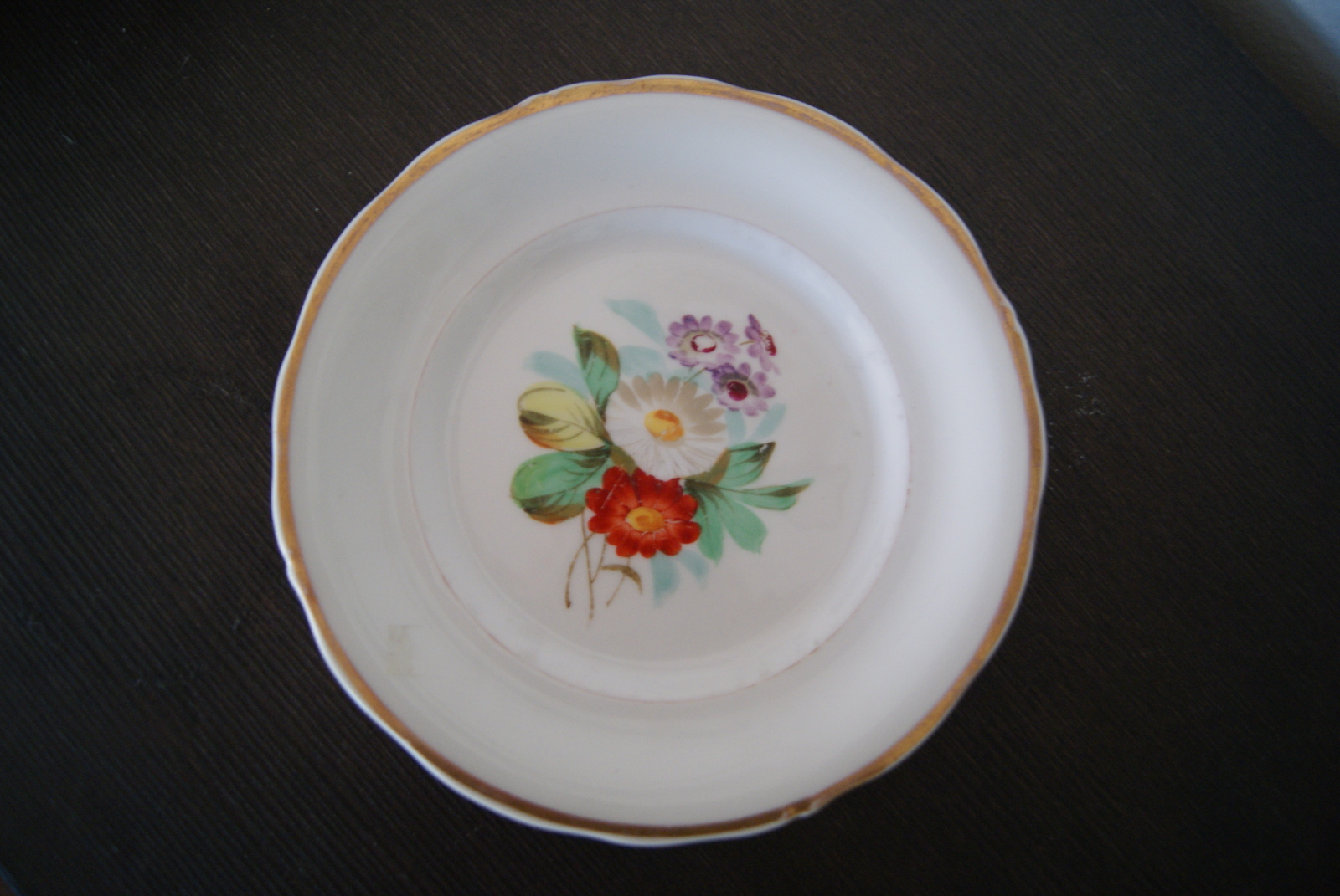 Waldenburg plate with bouquet, flowers and leaves