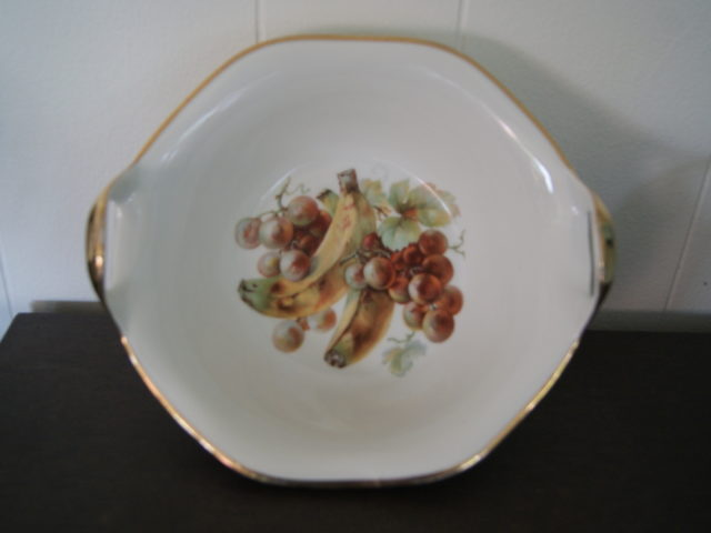 Porsgrund bowl decorated with fruits – grapes and bananas