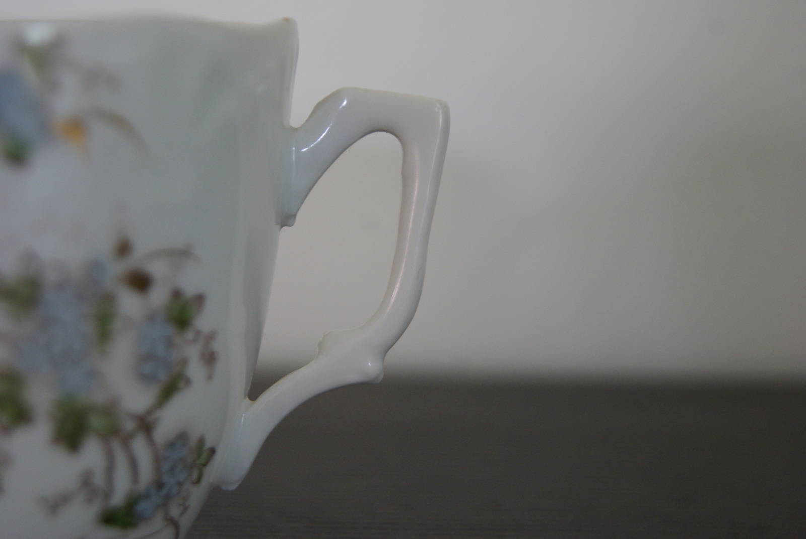 Porsgrund coffee cup with flowers and leaves