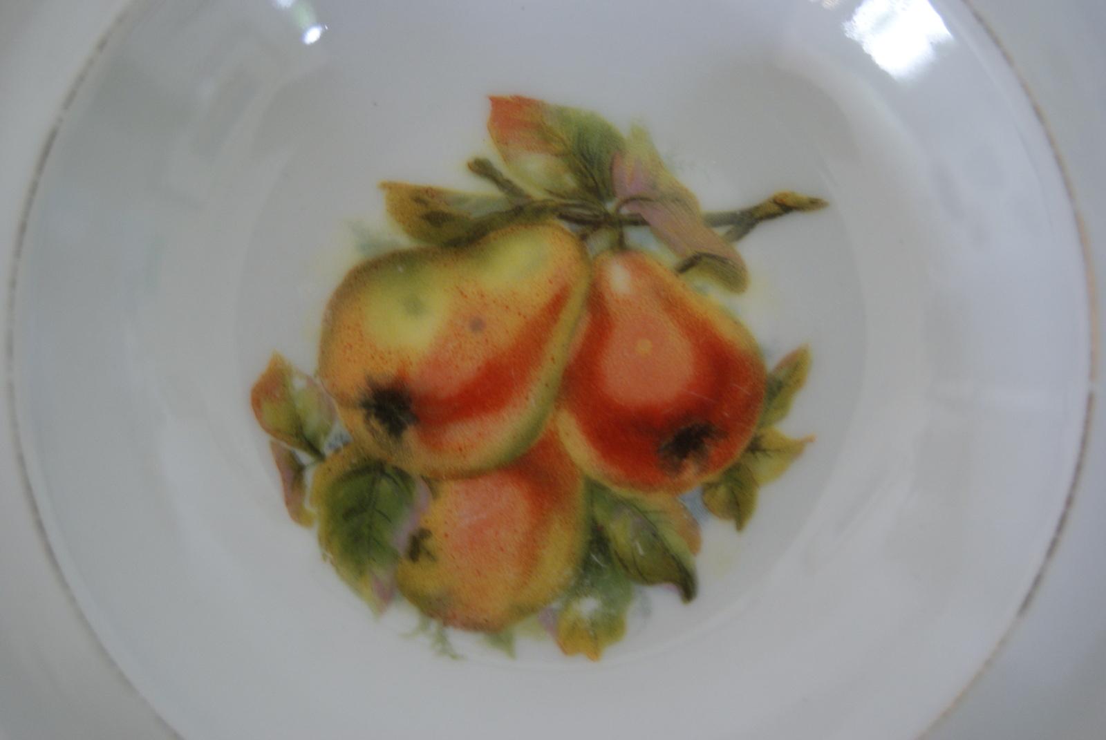 Waldenburg - Altwasser bowl with pears 1928