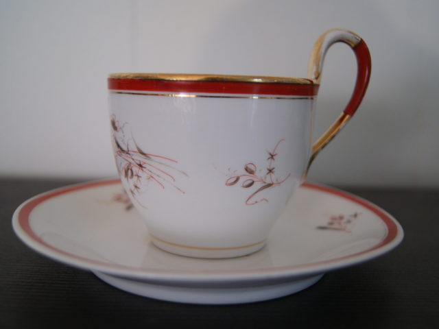Waldenburg – Altwasser coffee cup with saucer with flowers and leaves