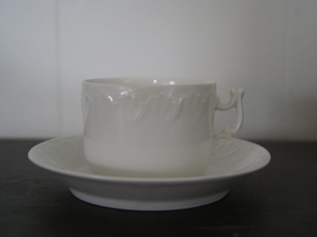 Porsgrund cup with saucer white with relief