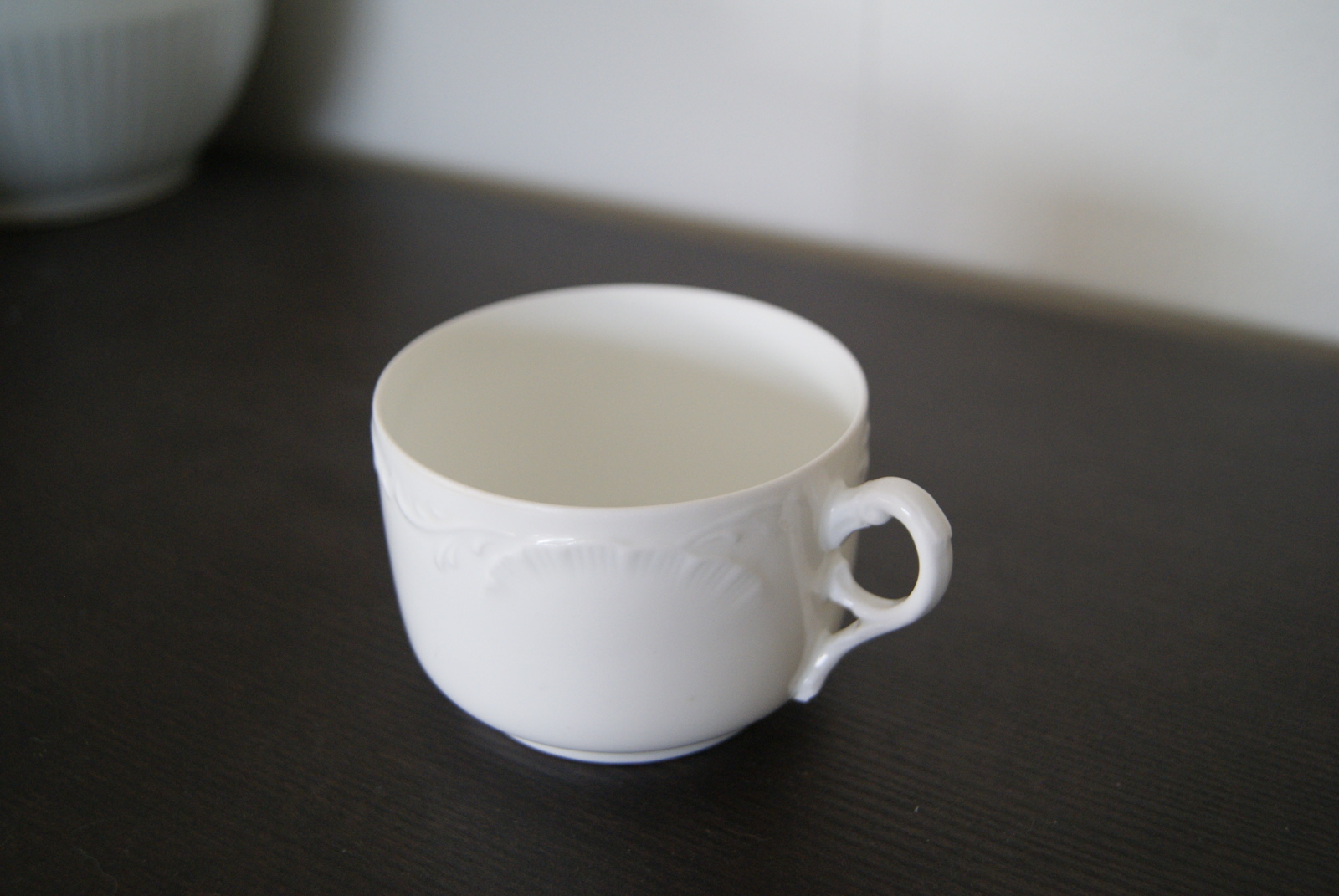 Porsgrund white cup with relief