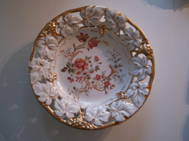 Waldenburg – Altwasser dish with flowers leaf and grapes relief and golden decor