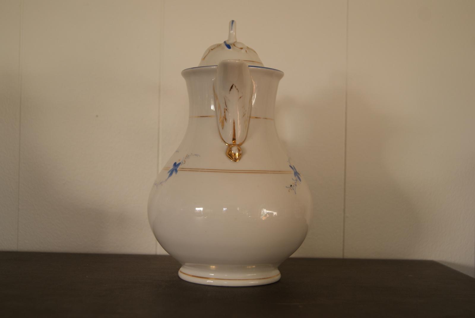 Jaworzyna Slaska (Konigszelt) August Rappsilber  biedermaier pot with blue flowers