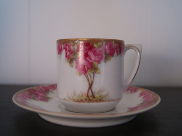 Waldenburg – Altwasser coffee cup and saucer with beautiful Art Nouveau roses