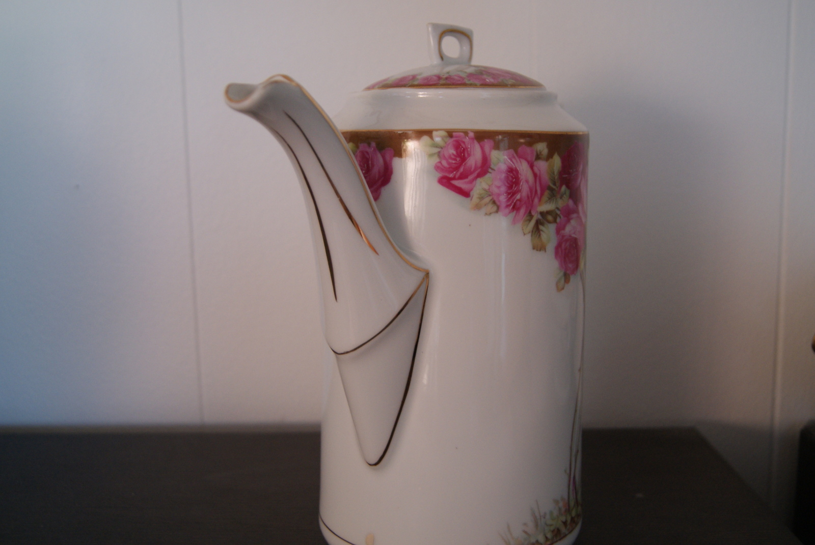 Waldenburg - Altwasser Coffee pot with beautiful Art Nouveau roses