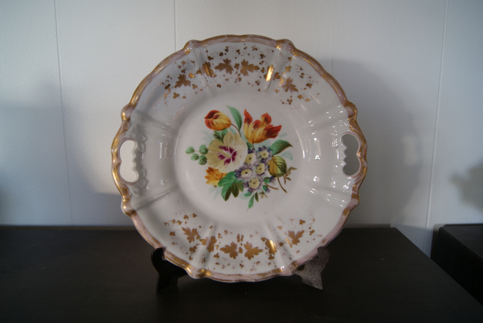 Waldenburg - Altwasser dish with bouquet, gold decor and relief