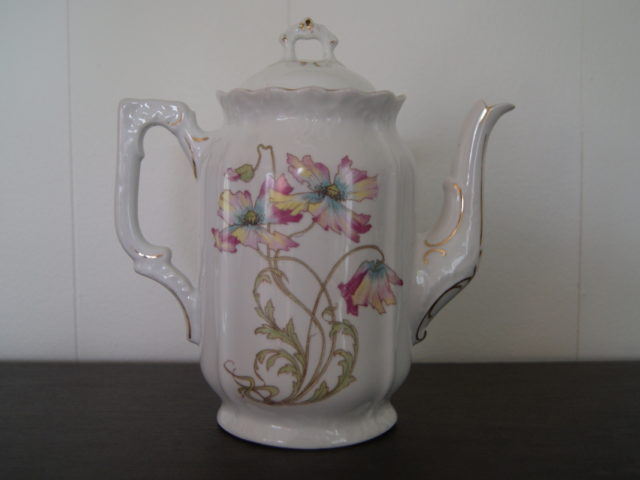 Porsgrund coffee pot with art nouveau flowers